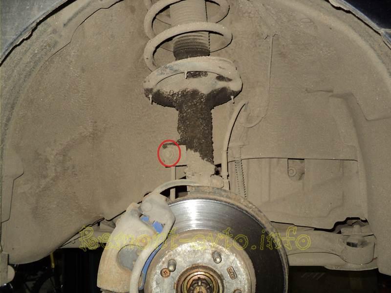 Ремонт передней подвески на автомобиле Hyundai Elantra XD/J3