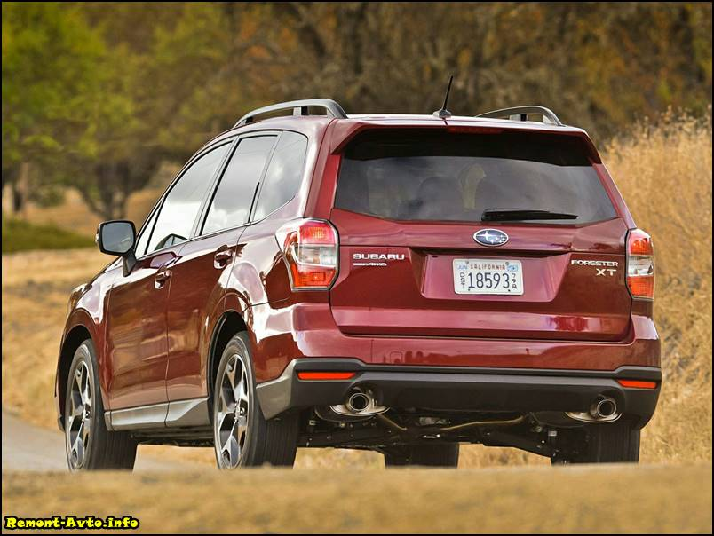 2015_Subaru_Forester_4 -rear