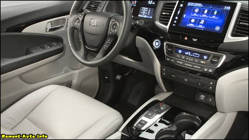 Хонда Пилот (2015-2016 года) в новом кузове, фото салона