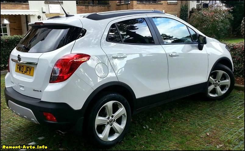 Opel-Mokka-2015-foto-rear