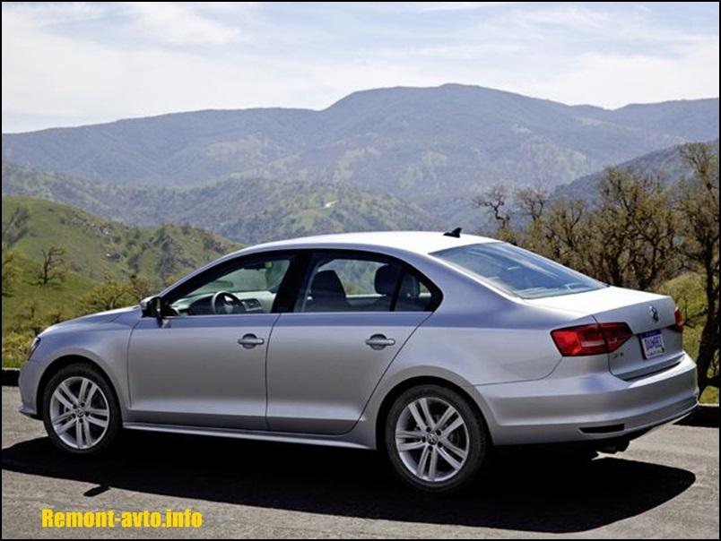 Volkswagen-Jetta-2015-vid-szadi